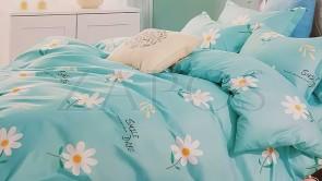 Lenjerie pat 2 persoane BUMBAC FINET - 4 piese - Turcoaz, model 2 fete margarete si text scris cu negru