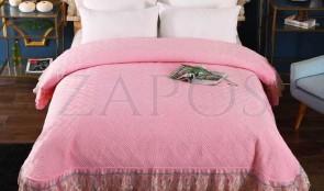 Cuvertura pat dublu CATIFEA PLUSATA - Roz, culoare uni cu aplicatii de tul in partea de jos-1