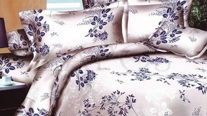 Lenjerie pat 2 persoane BUMBAC FINET - 4 piese - Bej, model frunze si flori alb si bleumarin