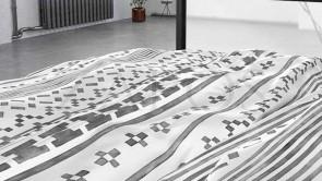 Lenjerie pat 2 persoane BUMBAC SATINAT - 3 piese - Alb, model cu diferite forme grafice-240 x 220