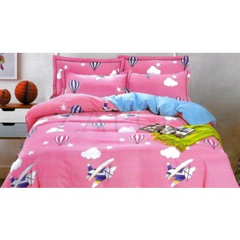 Lenjerie pat 2 persoane BUMBAC FINET - 4 piese - Roz, model cu elemente pe fundal de cer